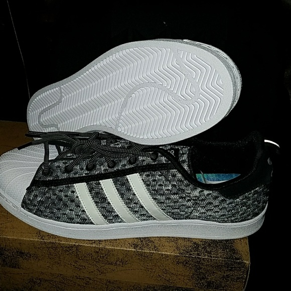 adidas Shoes   Superstar Gid Glow In